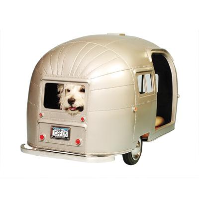 Holiday gift guide 200 modern dog magazine for Cuccia per cani ikea prezzi