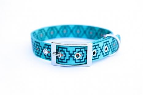 geometric print collar