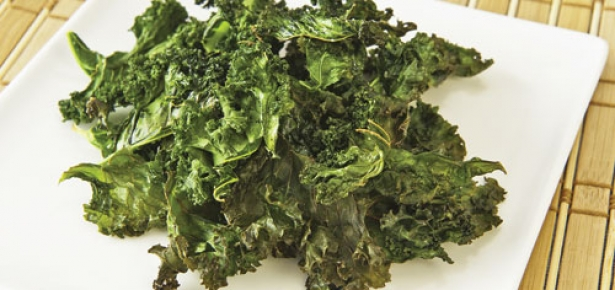 HealthySnacksDogs-Kale.jpg