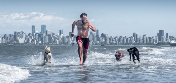 Woof Pack dog walker Iain Simpson