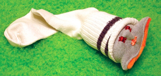 DIY Dog Sock Toy | Modern Dog magazine